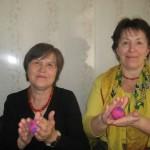 Занятие по валянию шерсти (На фото: Вакурина В.И., Борисова Т.В.)